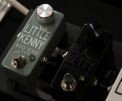 Winter Namm 2015: Big Ear NYC - Little Kenny Clean Boost & Black Betty Single Knob Fuzz