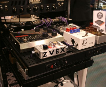 Winter Namm Show 2015: Temple Audio Pedalboards Roll Rack