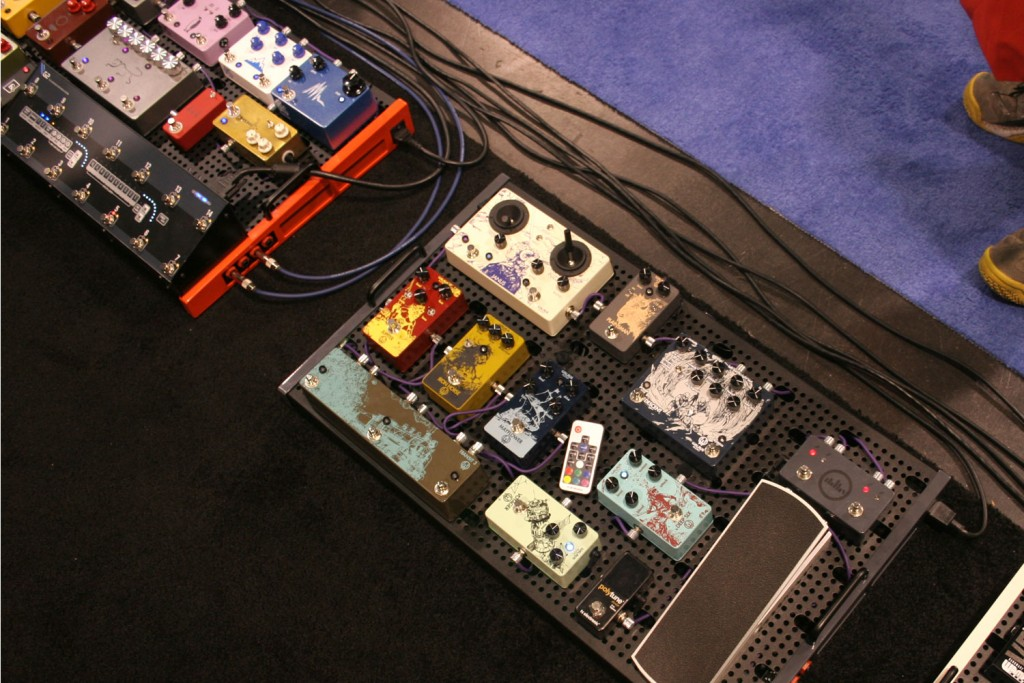 winter namm show 2015 temple audio pedalboards setups distortion pedal hq. Black Bedroom Furniture Sets. Home Design Ideas